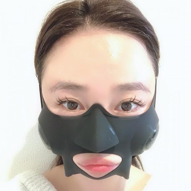 4ヶ月待ちの最新美顔器【ヤーマン】着けるだけで表情筋トレーニング!小顔効果も◎