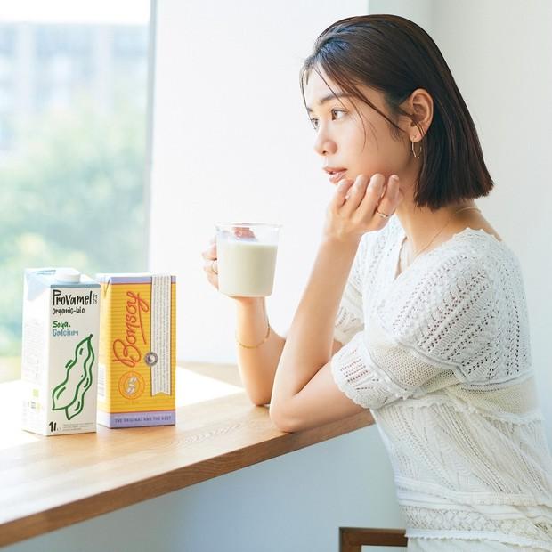豆乳の美容効果って? 一日どれくらいまで飲んでOK? キレイな人から始めてる「豆乳」の素朴な疑問にプロがアンサー