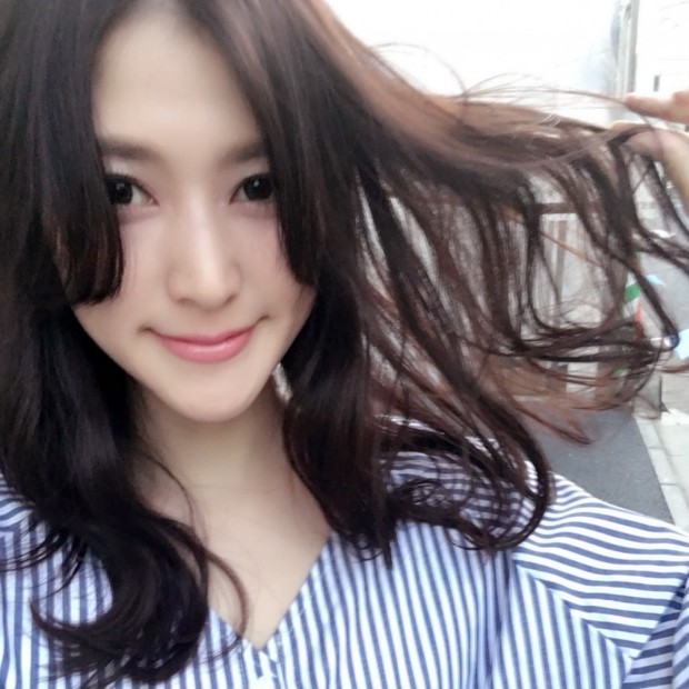 髪にも桜色!!ブロッサムカラーで春風に揺れる美女髪に!