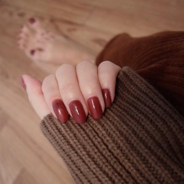 【秋ネイル】赤みブラウンのワンカラーネイル*秋色にクリアで抜け感を