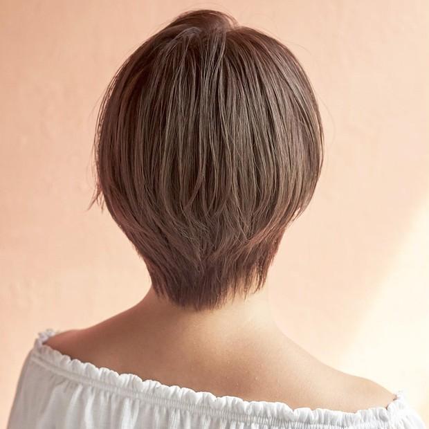 【大人のショートヘア】小顔仕上げの前下がりショートボブ_2