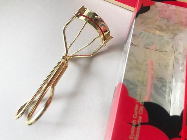 SHISEIDO ホリデーコレクション 2020♪モダンなデザインが美しいビューラーとミニリップセット!_3