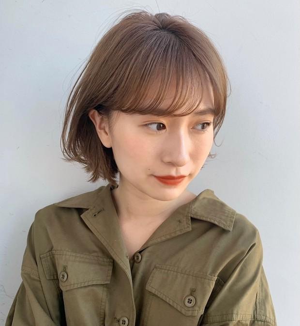 【20代・30代ヘアスタイル】髪型がくずれやすい夏こそ! アレンジもしやすい王道ナチュラルショートヘア_1