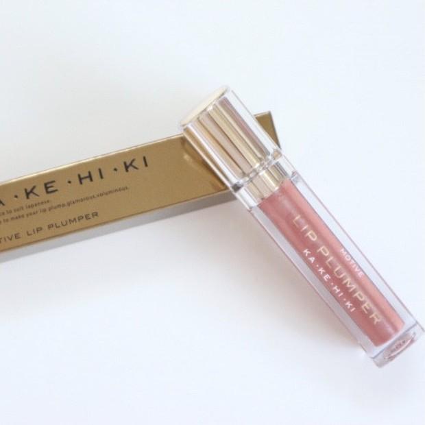 【唇美容液】KAKEHIKI モティブリッププランパーでぷっくり唇に!