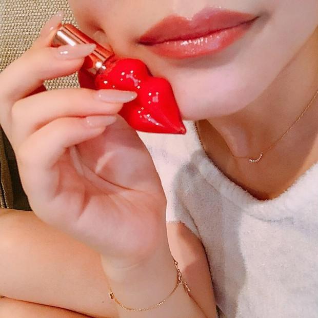 見た目も可愛い美容液リップ( ˘👄˘ )♡