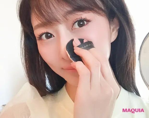 【毛穴ケア】「ローラ メルシエのクッションファンデは厚塗り感ゼロなのにハイカバー。鼻の周りはパフでそっと押さえるように塗ります」