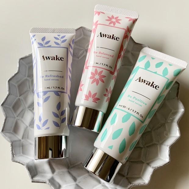 ベタつかないのにうるおう! 『Awake』のハンドセラムで、 使うたびに漂うやさしい香りとともに、心地よく手肌をケア #金曜日の肌投資コスメ