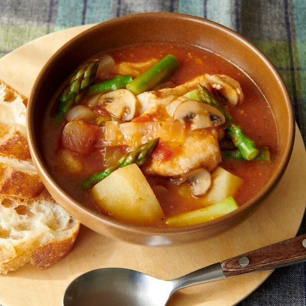 【甘酒】鶏とアスパラのトマト甘酒シチュースープ