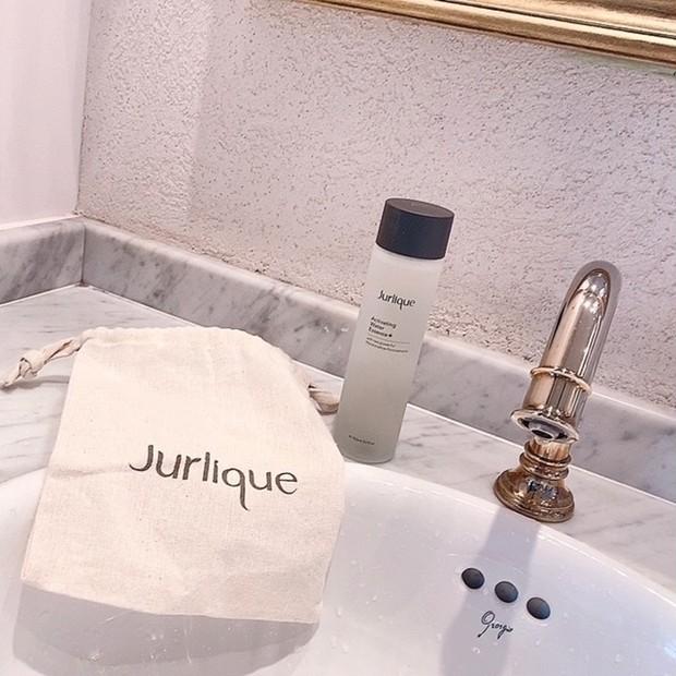 オーガニックスキンケアで疲れたお肌にうるおいを♡【Jurlique  ハイドレイティンング ウォーターエッセンス+】
