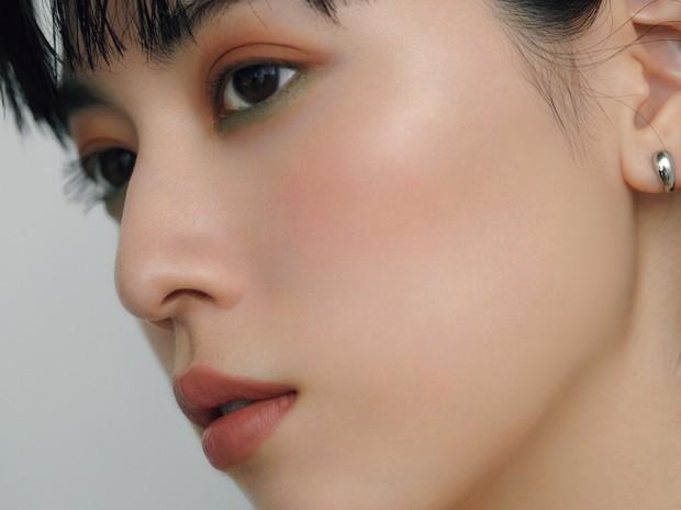 【三吉彩花×千吉良恵子】アースカラーを質感ミックスで新鮮に