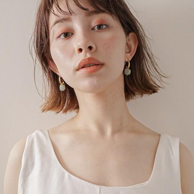 【30代の美人見せ小顔ヘア】面長&丸顔を解消する「Aラインの切りっぱなしボブ」