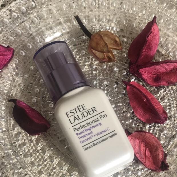 しつこいニキビ跡にも!美容皮膚科学に着想を得た、エスティ ローダーの最先端ブライトニングセラム