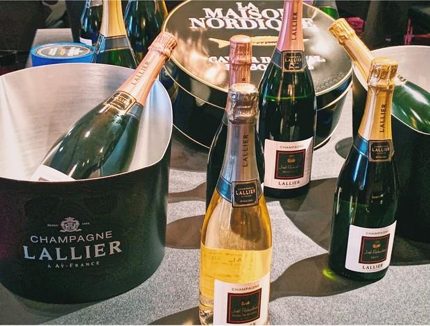 【超高コスパコスメ】ホリデーイベントに華やぎを…♡ ワインに似合うネイル&リップ_4_1