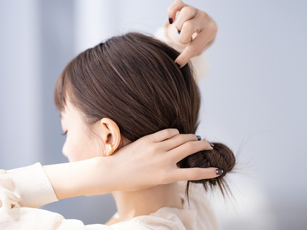 ピンを使わないまとめ髪を覚えたい!【山本舞香×北原果】無造作なこなれシニヨン_6