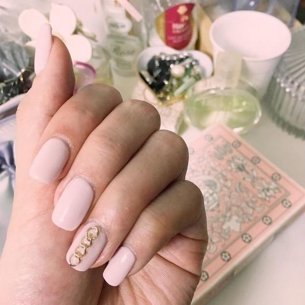 くすみピンクのシンプル春ネイル♡