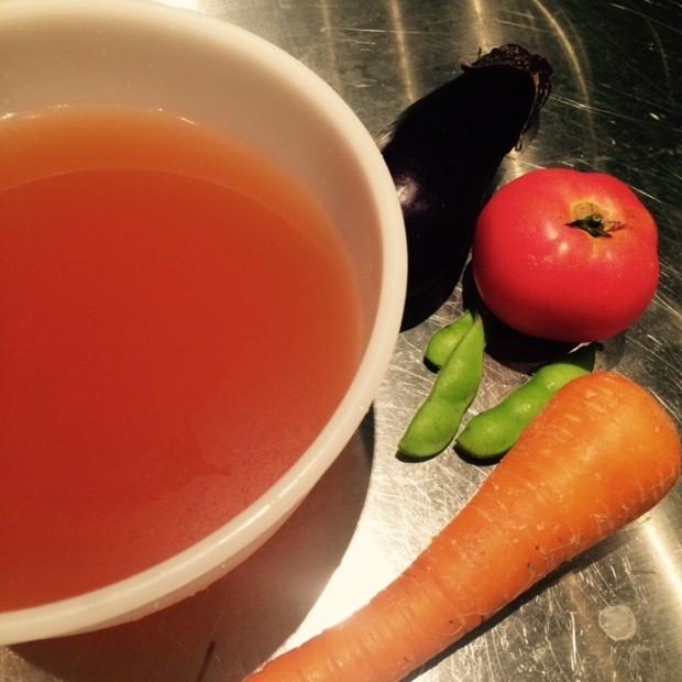 美肌&美白効果バッチリ!旬野菜で簡単お野菜コンソメ❤️ベジタブルブロスの作り方