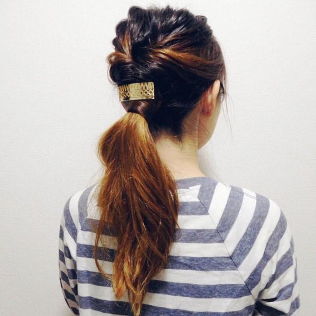 メタリックなヘアアクセで簡単アレンジもワンランク上へ!?