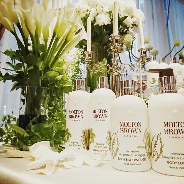 モルトンブラウン新丸ビル店リニューアルオープン!日本先行発売シーボーンコレクションも披露
