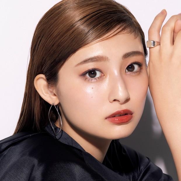 「これは買い!」吉川愛さんも大注目のSUQQUのクリスマスコフレ2021でつくるドラマティックなパーティメイク_1