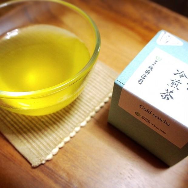 祇園辻利の『水出し冷煎茶』でお茶美容。