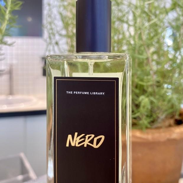 オンラインですぐ完売した香水。