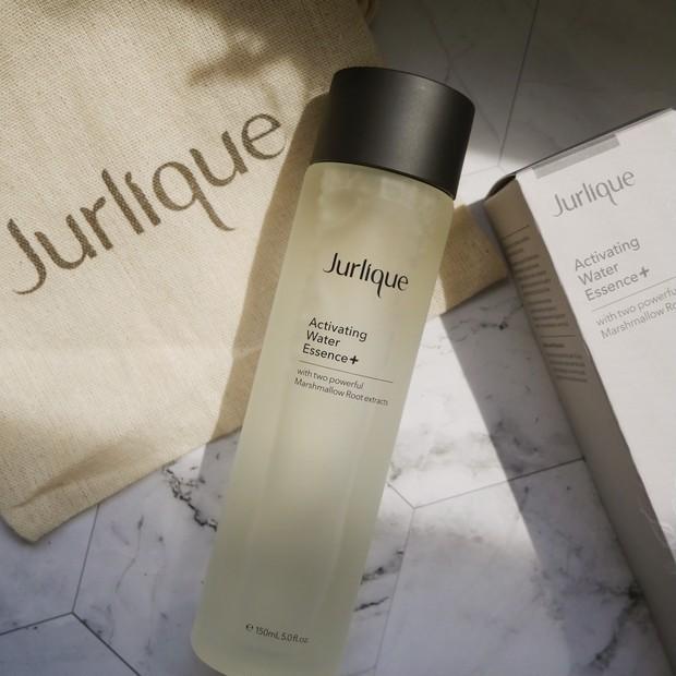 ジュリーク ハイドレイティング ウォーターエッセンス+|実力派化粧水がリニューアルして新登場!ニキビ肌の私が使った感想