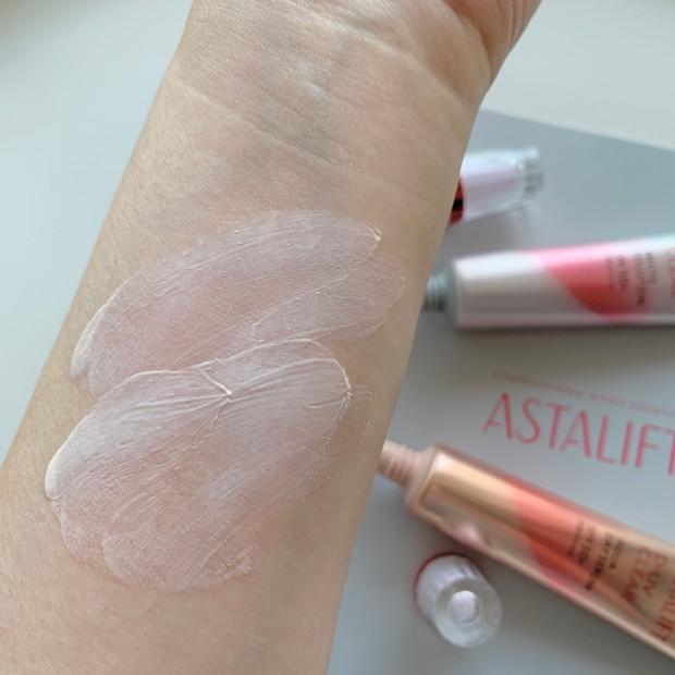 肌質・なりたい肌で選べる!ASTALIFT[アスタリフト]D-UVクリア2種の使用感・仕上がり・違いをスウォッチ多めでレビュー _8_3