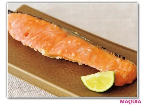 【手作り発酵食】手作り初心者にもおすすめ「塩麹」の作り方_鮭の塩麹焼き