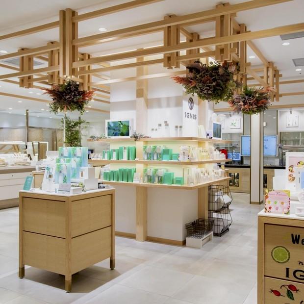 アルビオンが新業態ショップを『ニュウマン横浜』にオープン。ラボやオリジナルのトリートメントサロンも併…