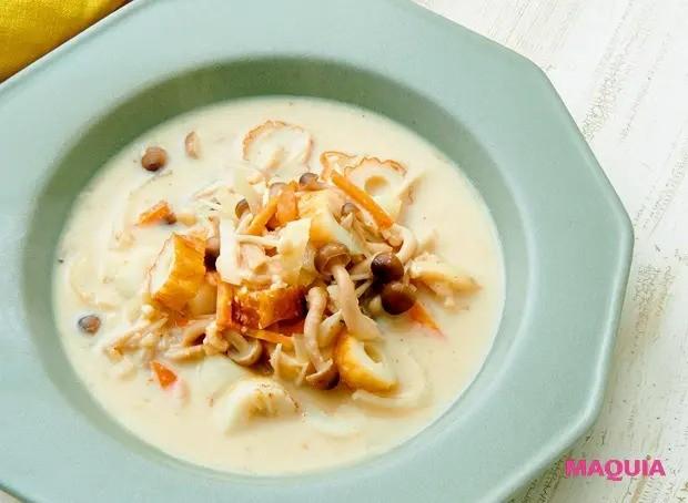 【美容スープレシピ】まろやかでクリーミーなほっとする味 「ちくわときのこの酒粕豆乳スープ」