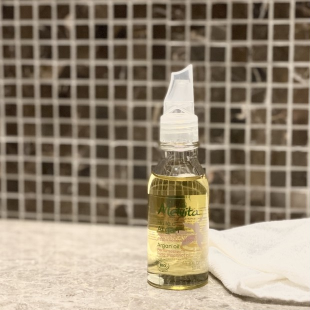 【Melvita】洗顔後すぐにつけるアルガンオイルで見違えるほどのハリ肌へ。