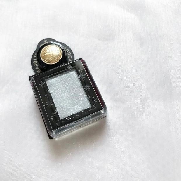 【2021.4.21発売】マジョリカマジョルカから限定発売されるシャドーカスタマイズフローティング ガラス窓のスウォッチとアイメイク