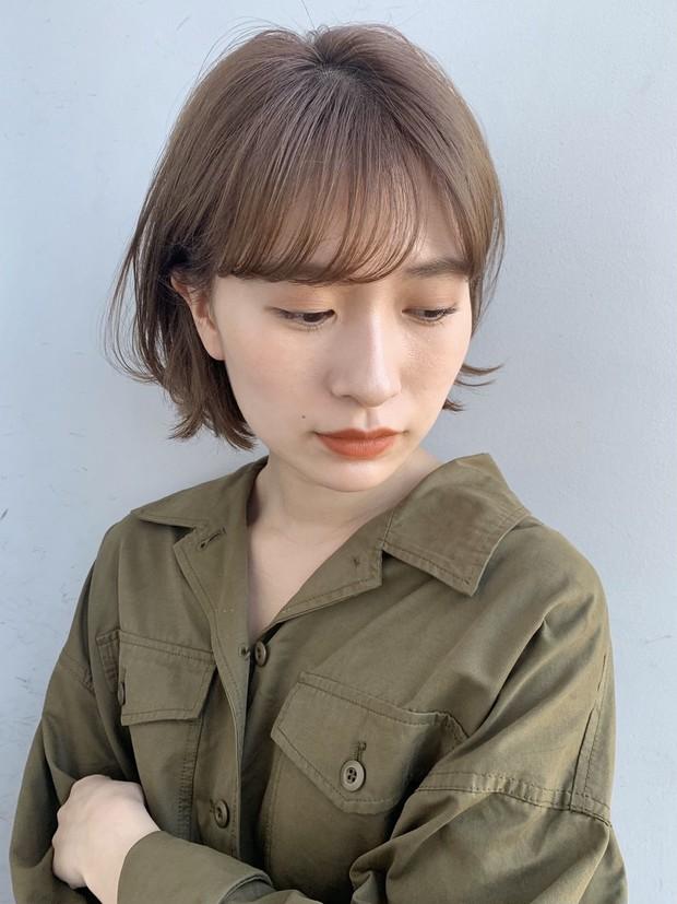 【20代・30代ヘアスタイル】髪型がくずれやすい夏こそ! アレンジもしやすい王道ナチュラルショートヘア_2_2