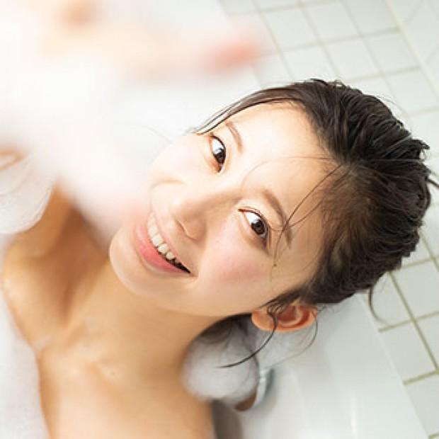 ハリツヤ神ボディはバスタイムに作られる 小倉優香のお風呂の入り方