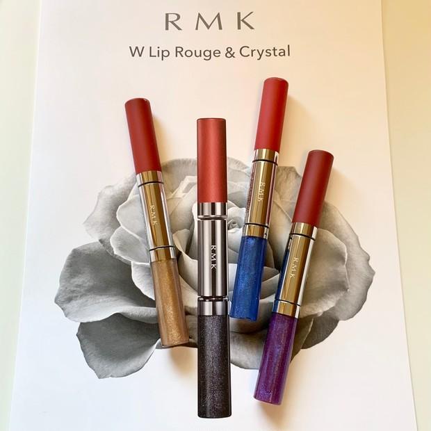 オンライン映えする【RMK】のWエンドリップが誕生! 赤のマットルージュを大胆にまとって、グロスで色香を紡ぐ #マンデーカラースウォッチ