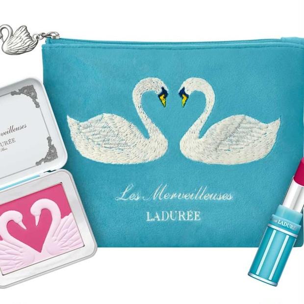 「レ・メルヴェイユーズ ラデュレ」の2019年クリスマスコフレはエレガントな白鳥のコレクション!