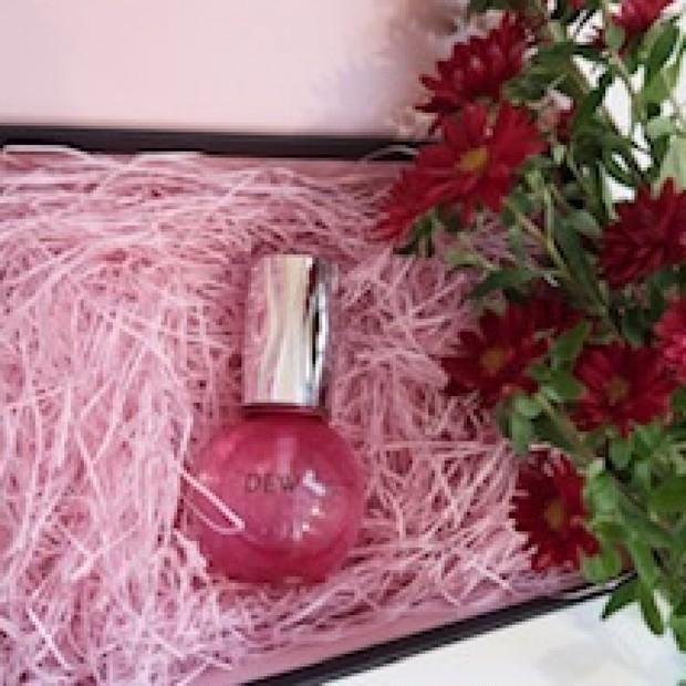 【2020.12.16発売 保湿成分ヒアロキャビア配合 女子力上がるピンクの容器が可愛いすぎる】DEW キャビアドットブースター