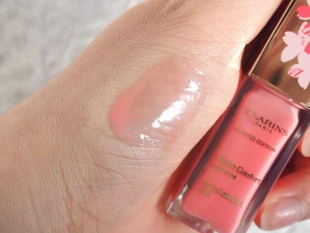 【桜コスメ】クラランスの限定リップオイル_限定色は桜をイメージしたクリーミーペールピンク
