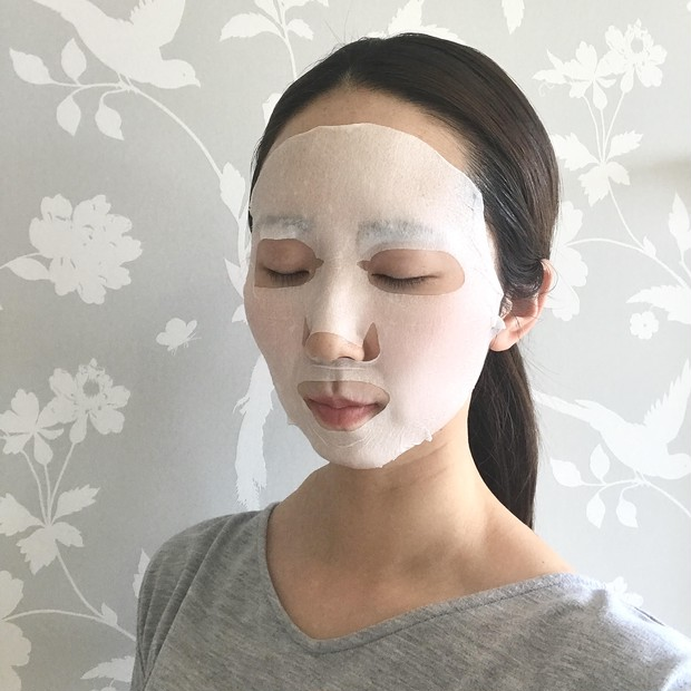微小電流を流せるちょっとユニークなフェイスマスクで夜のスペシャルケアを!_2_2