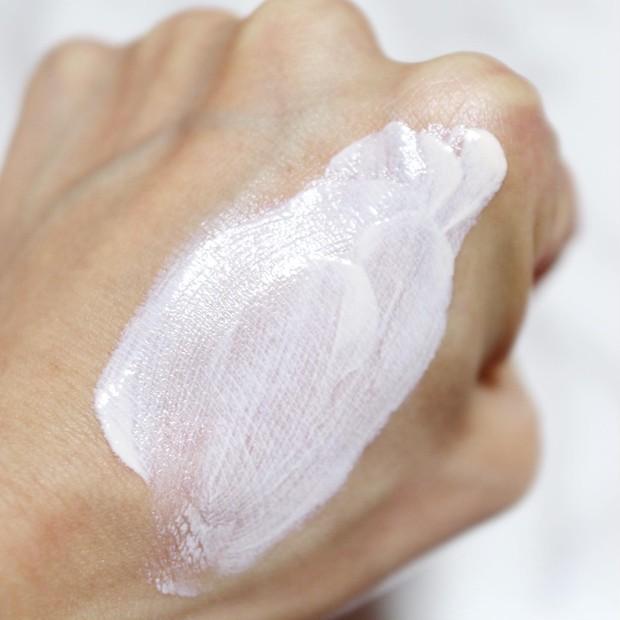 【美容成分高配合】スキンケア効果の高いフラセラのCCモイスチャーミルクで日中もずっと美肌ケア_3