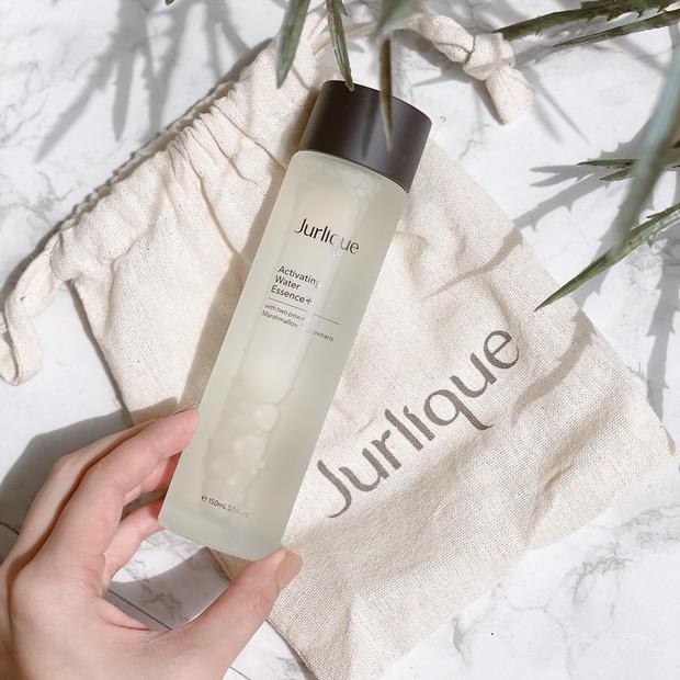 肌の乾燥が気になる方へ...Jurliqueの化粧水で湿度感を感じるようなしっとりふっくらハリのある幸福肌に
