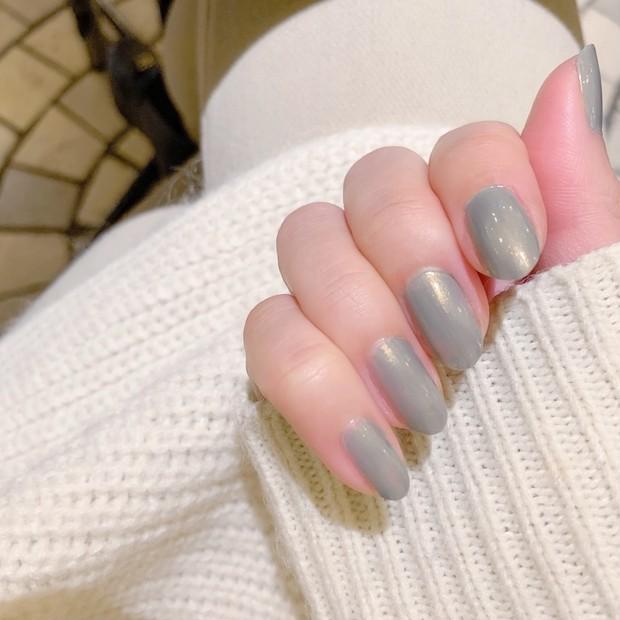 ブルベさんにオススメ♡手元を綺麗に見せて春も使えるグリーンネイル