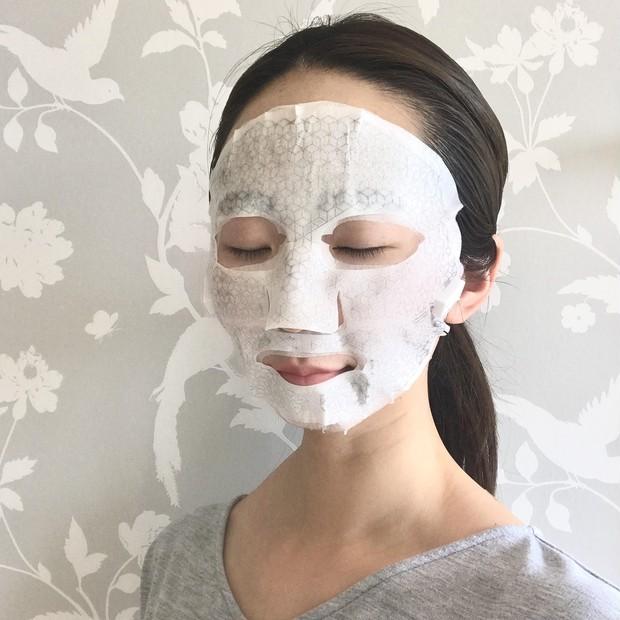微小電流を流せるちょっとユニークなフェイスマスクで夜のスペシャルケアを!_4_2