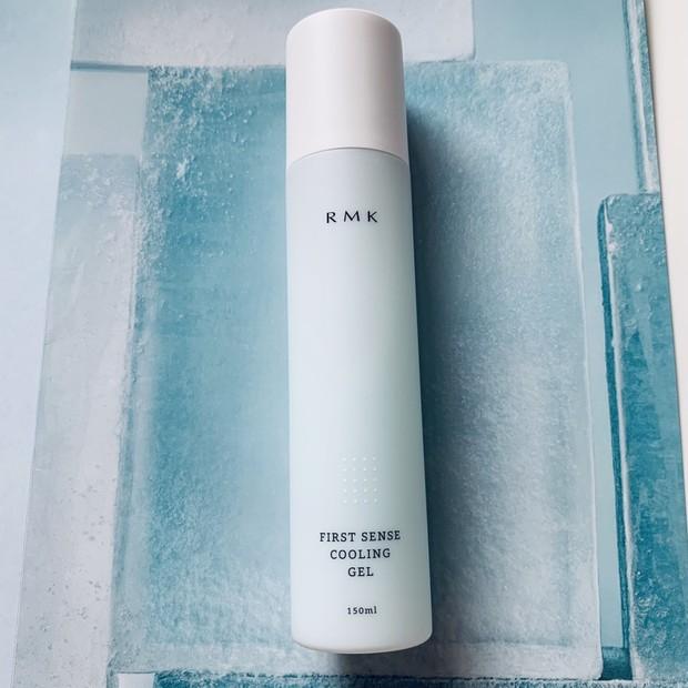 夏の肌を、ひんやりジェルが心地よくクールダウン。『RMK』の保湿液で、うるおい補給も抜かりなく! #金曜日の肌投資コスメ