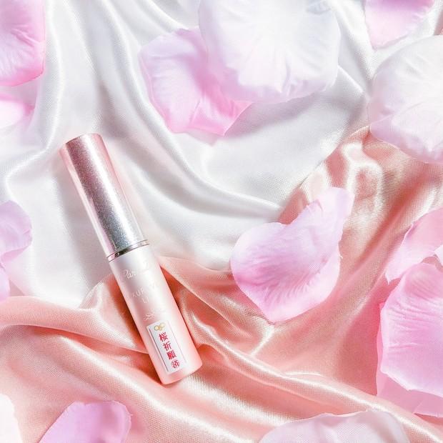 \ セブンイレブンへ急げっ / 限定色の桜お守りリップが可愛すぎるっ♡パラドゥ