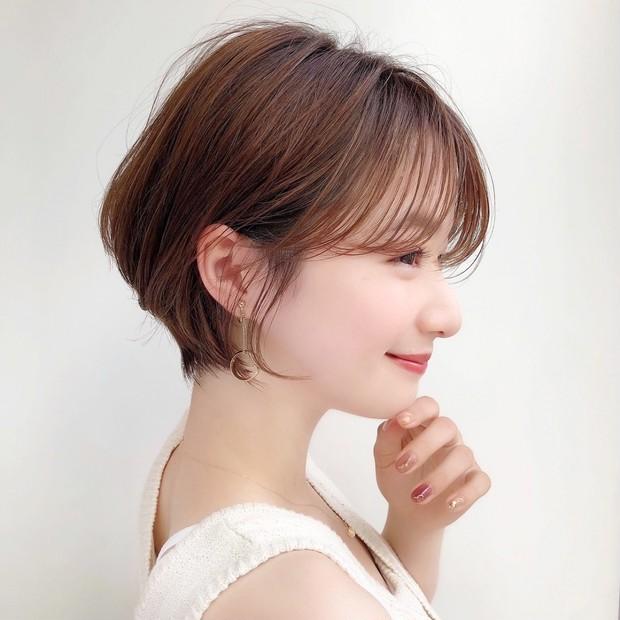 【20代・30代向き】圧倒的美シルエット! 横顔に見惚れる女っぽカジュアルショートヘア