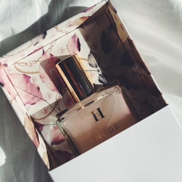 【1万円以内で贈る】Herlipto[ハーリップトゥ]パフュームオイル【かわいい女友達・後輩編♥】