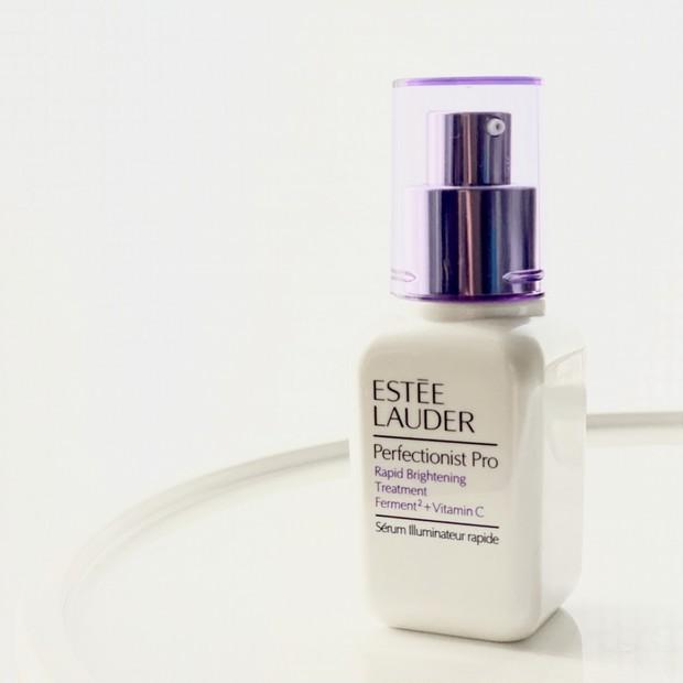 """【欲しいのは即効性と透明感】エスティ ローダーの最新ブライトニング美容液で澄んだ""""浄透肌""""に!"""