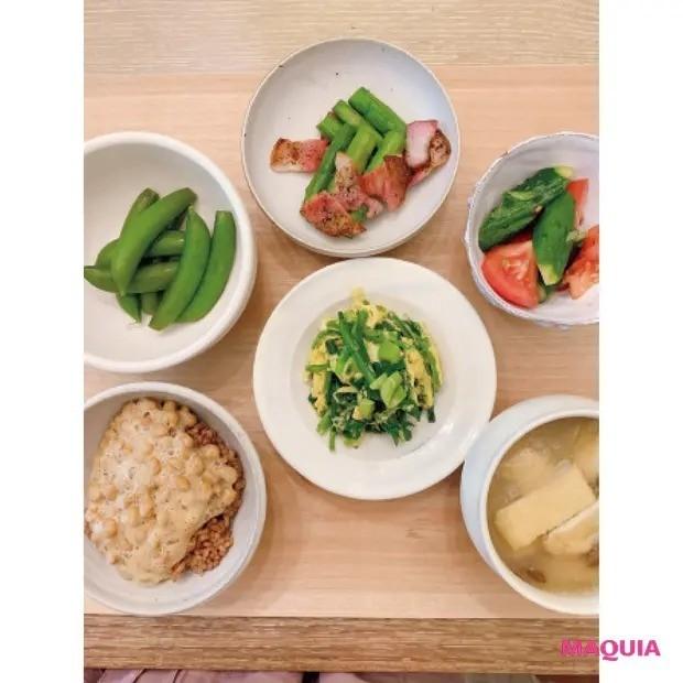 美賢者たちの手作り発酵食_新井ミホさん_毎週スタッフと手作り味噌を使った薬膳料理を食べています