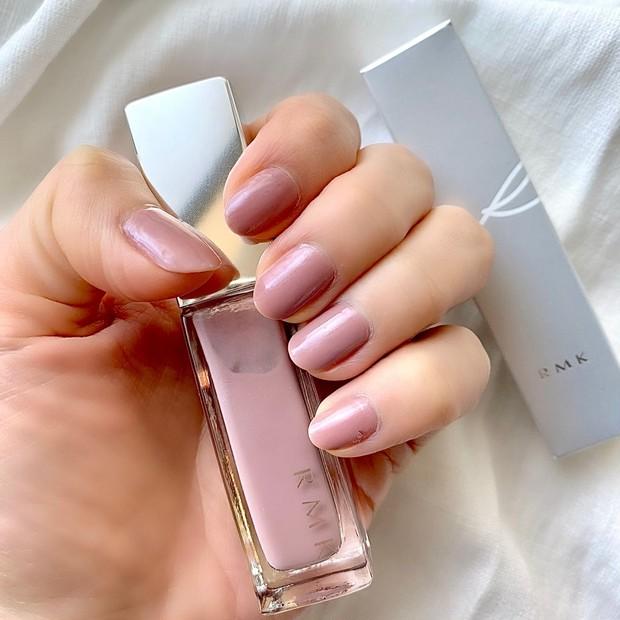 【おすすめセルフネイル】RMKの逸品!くすみピンクが大人可愛いネイル
